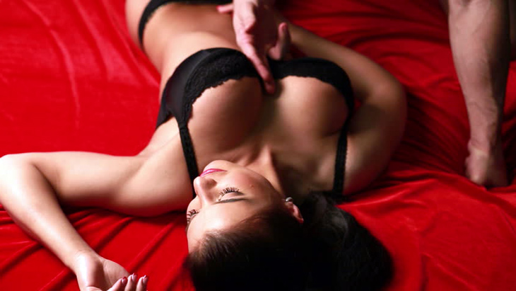 give a cam girl foreplay